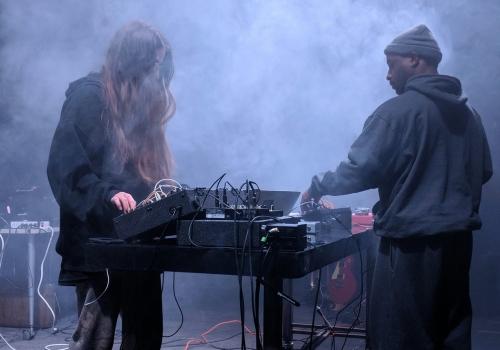 """E. Fon Trompovska kvartālā norisināsies dzīvās elektroniskās mūzikas festivāls """"Kontaktor"""""""